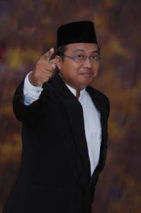 Spiritual motivator – DR.N.Faqih Syarif H, M.Si. Penulis Buku Gizi Spiritual dan Character Building. Sekretaris Komnas Pendidikan Jatim, Majelis Kyai PP Al-Ihsan Baron, Nganjuk, Jatim
