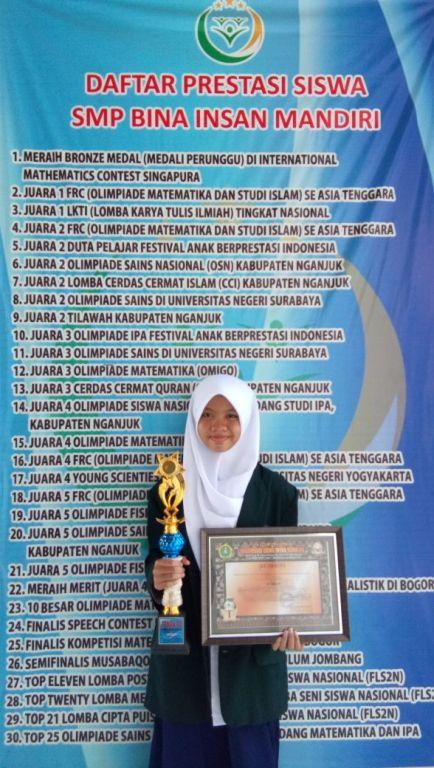 Juara 3 Schematic Matematika Tingkat SMP Se Eks Karesidenan Kediri th. 2018 a/n Salma Qanita Kelas VII