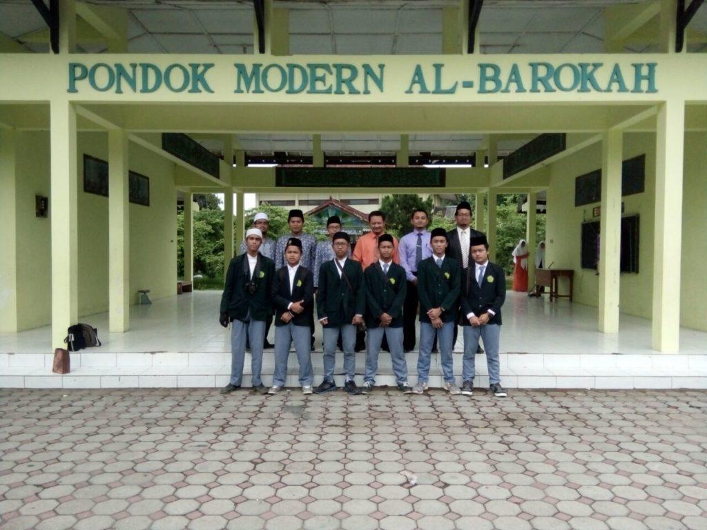 Study Banding & Silaturahmi ke Pondok Modern Al-Barokah